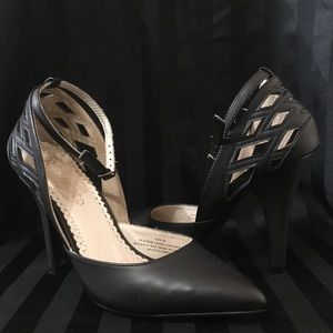 Restricted Black Cut Out Ankle Strap Heels Pump 6